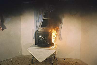 Fernseher Implodiert