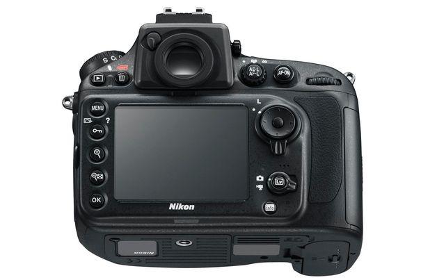 Nikon_D800E_backbottom_605.jpg